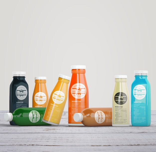 Variedad de botellas coloridas de jugo de frutas orgánicas.