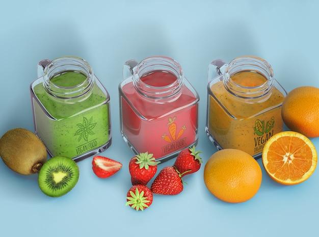 Varietà di frullati in bottiglie di bicchieri