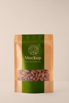 Veganistisch eten in mock-up verpakkingsarrangement