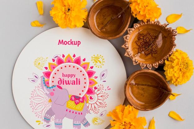 Velas y elefante de maqueta festiva del festival de diwali