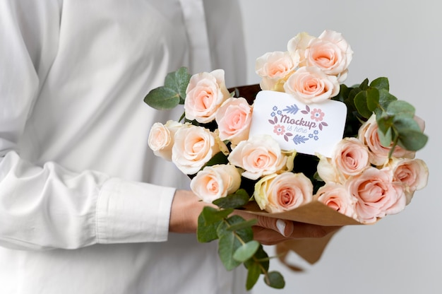 Verjaardagsbloemen met kaartmodelsamenstelling