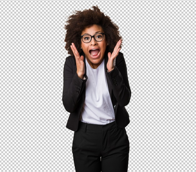 Verrast zakelijke zwarte vrouw