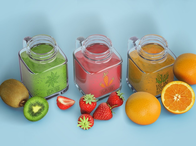 Verscheidenheid van smoothies in glazen flessen