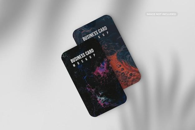Verticaal rond visitekaartje mockup ontwerp