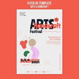 Verticale flyer-sjabloon voor kunsten en ambachten festival