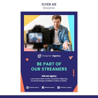 Verticale flyer voor het streamen van online inhoud