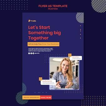 Verticale flyersjabloon voor professionele zakelijke oplossingen