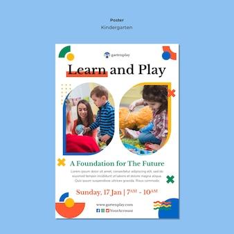 Verticale poster sjabloon voor kleuterschool met kinderen