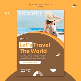 Verticale poster sjabloon voor reizen met vrouw
