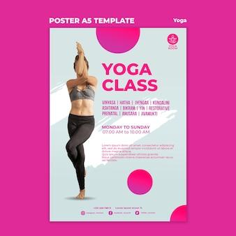 Verticale poster sjabloon voor yogales met vrouw