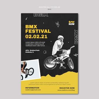 Verticale poster voor bmx fietsen met man en fiets