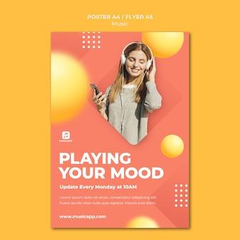 Verticale postersjabloon voor het online streamen van muziek met een vrouw die een koptelefoon draagt