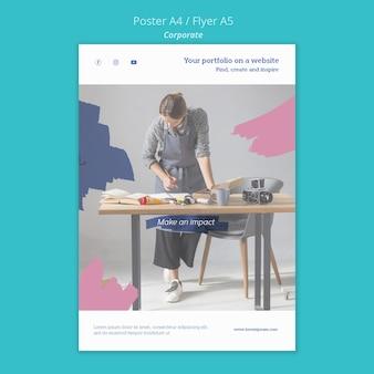Verticale postersjabloon voor het schilderen van portfolio op website