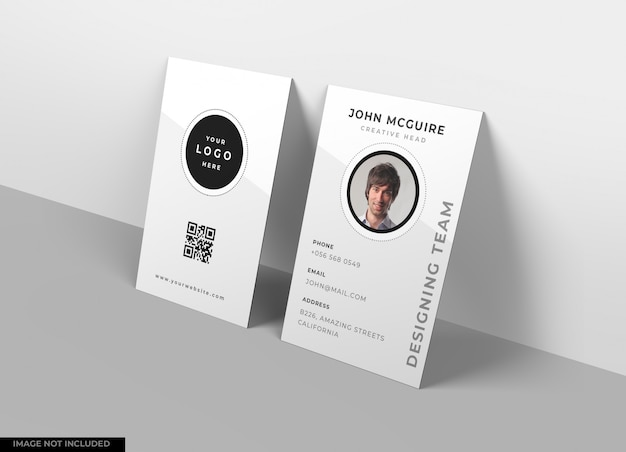 Verticale visitekaartje mockup design