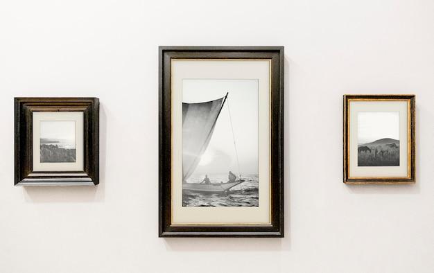 Verzameling van kunstwerken op de muur