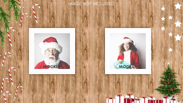 Vierkant framemodel op houten achtergrond met kerstversiering en kerstboom