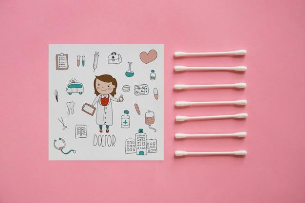 Vierkant papier mockup met wattenstaafjes