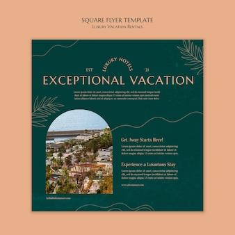 Vierkante flyer-sjabloon voor luxe vakantieverblijven