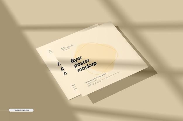 Vierkante flyers-mockup met schaduwoverlay