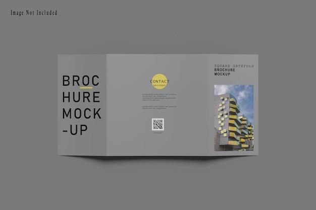 Vierkante gatefold brochure mockup