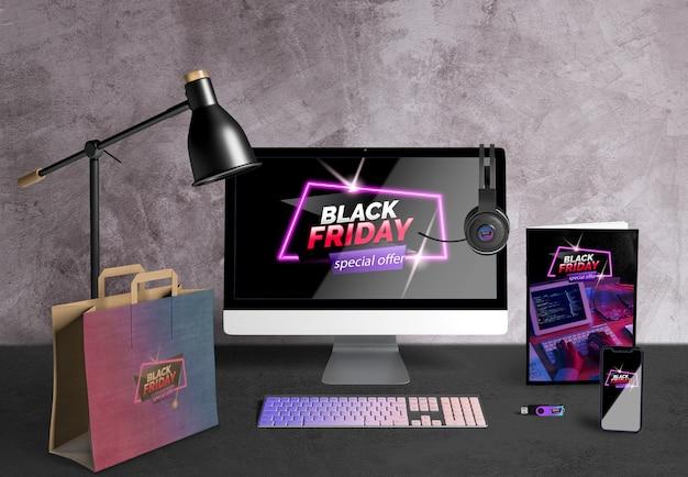 Viernes negro concepto de escritorio en escritorio