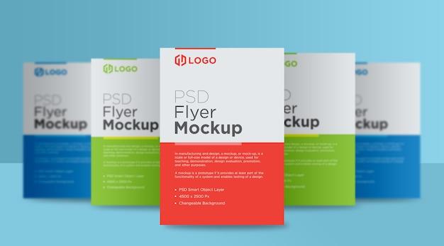 Vijf flyer en poster staande mockup ontwerp