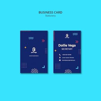 Visitekaartje met blauw ontwerp en vormen