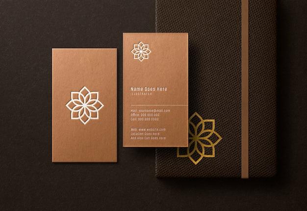 Visitekaartje & notitieboekmodel met ingeslagen effect