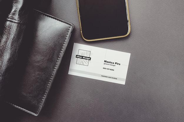 Visitekaartje zwarte luxe scène mockup