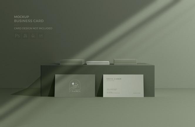 Visitekaartmodel met schaduw-overlay