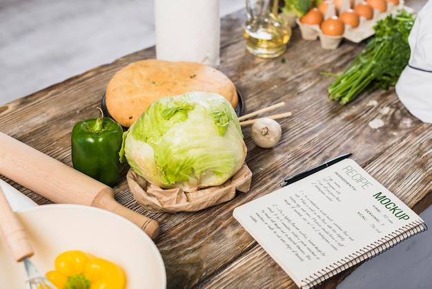 Vista alta de maqueta de receta de comida saludable