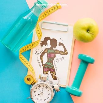 Vista de cerca de mockup de fitness con portapapeles