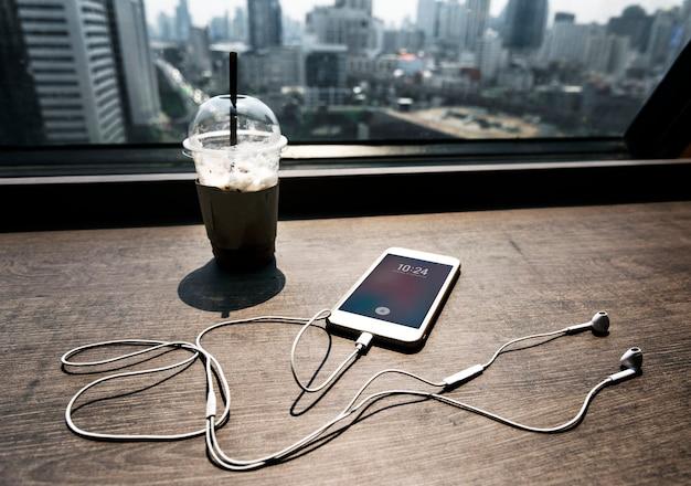 Vista dal caffè guardando oltre la città di bangkok
