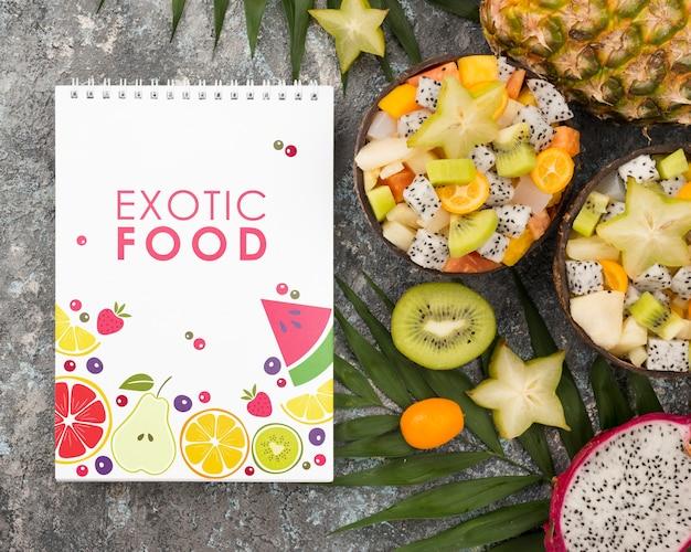 Vista dall'alto concetto di cibo esotico con mock-up