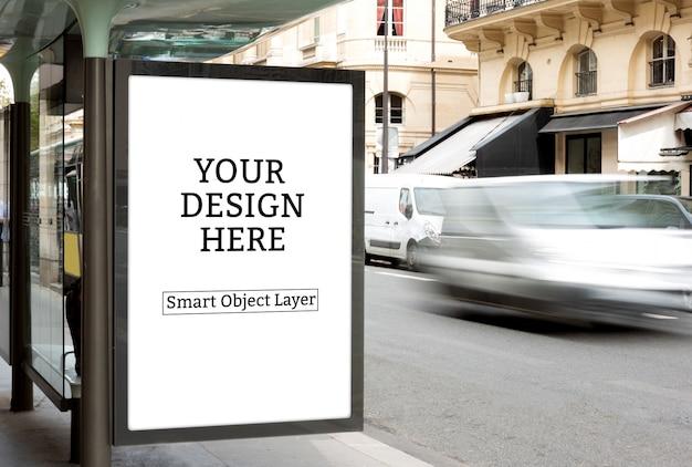 Vista di un mockup di pubblicità esterna