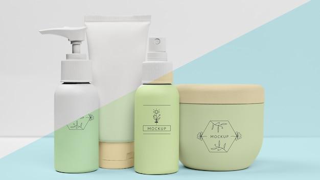 Vista frontal del conjunto de productos de belleza