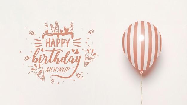 Vista frontal de globos de maqueta para aniversario.