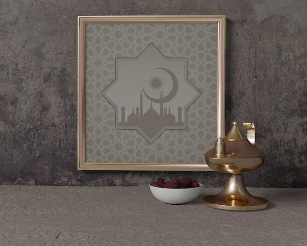Vista frontal maqueta de composición de ramadan con marco