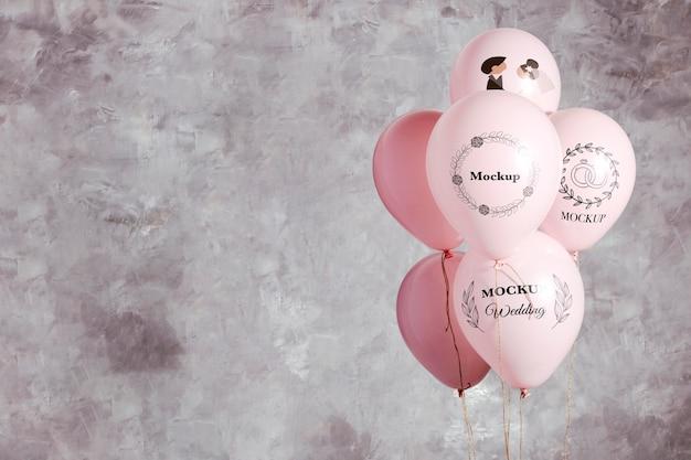 Vista frontal de la maqueta de globos de boda