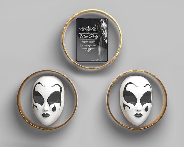 Vista frontal máscaras de carnaval en anillos de oro
