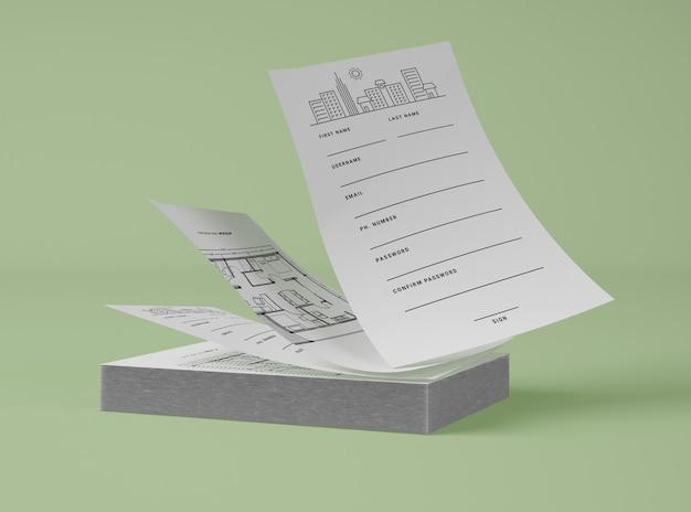 Vista frontal de la pila de papeles