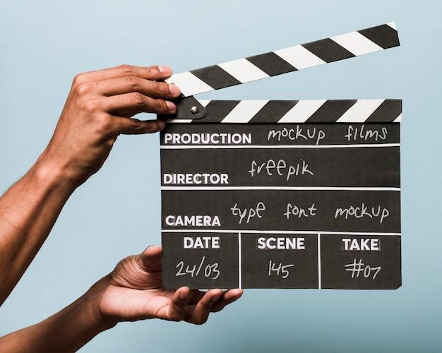 Vista frontale composizione film mock-up