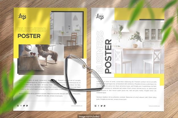 Vista superior de 2 carteles de retrato maqueta premium con efectos adicionales
