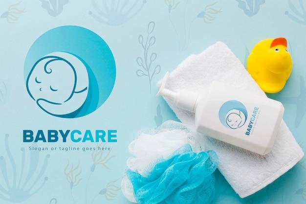 Vista superior accesorios de baño para el cuidado del bebé
