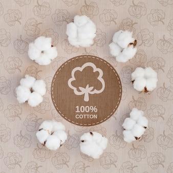 Vista superior de algodón realista con maqueta