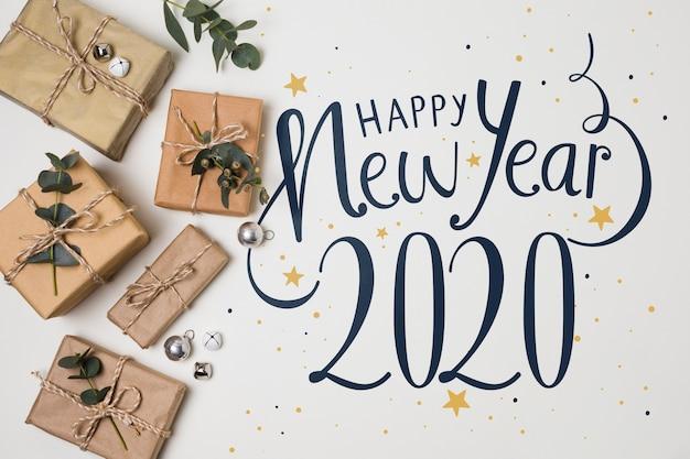 Vista superior de año nuevo y regalos