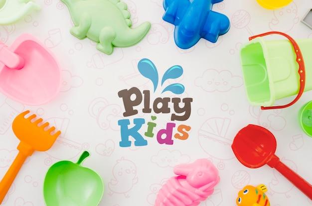 Vista superior colección de juguetes para niños