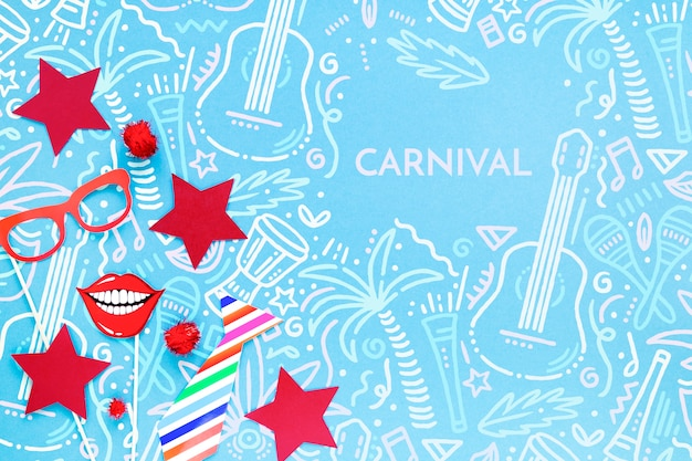 Vista superior de decoraciones de carnaval brasileño