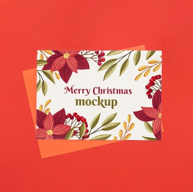 Vista superior de manualidades navideñas con flores.
