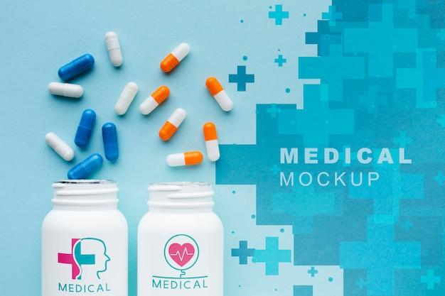 Vista superior de la maqueta de cápsulas médicas